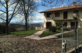 5 bedroom houses for sale in Piedmont. Country seat – Piedmont, Italy