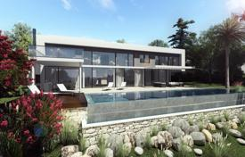 Luxury residential for sale in Benalmadena. Modern three-storey villa with an infinity pool, spacious terraces and views of the Benalmadena Valley, Spain