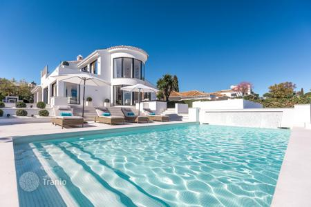 Luxury 4 bedroom houses for sale in Andalusia. Villa for sale in Aloha, Nueva Andalucia