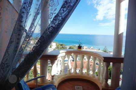 Coastal apartments for sale in Ospedaletti. Ospedaletti Apartment seaview for sale