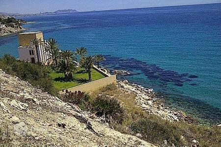 "Investment projects for sale in Costa Blanca. Investment project — purchase and construction of Villas in first line of sea in ""Campello"", Alicante"