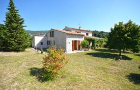 4 bedroom houses for sale in Chateauneuf-Grasse. Villa – Chateauneuf-Grasse, Côte d'Azur (French Riviera), France