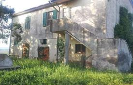 Houses for sale in Grosseto (city). Two-storey stone villa in Cinigiano, Tuscany, Italy