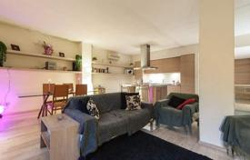 3 bedroom apartments for sale in Florence. Elegant two-level apartment in the center of Florence, Tuscany, Italy