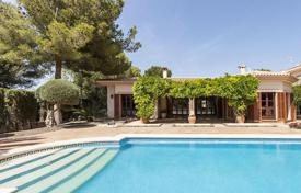Luxury houses for sale in Santa Ponsa. Villa with private pool and large balcony within walking distance from the beach in a prestigious area of Santa Ponsa, Mallorca, Spain