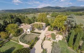 2 bedroom villas and houses to rent in France. Villa – Provence — Alpes — Cote d'Azur, France