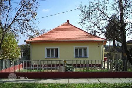 2 bedroom houses for sale in Zala. Detached house renovated in high quality in Kehidakustály, 900 m from the spa complex