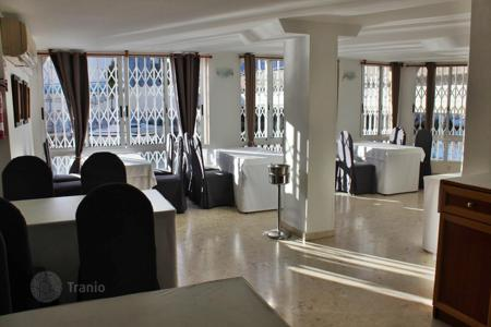 Commercial property for sale in Valencia. Restaurant – Grau i Platja, Valencia, Spain