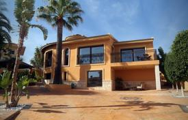 4 bedroom houses for sale in Ciudad Quesada. Two-level villa with two pools in Ciudad Quesada, Alicante, Spain