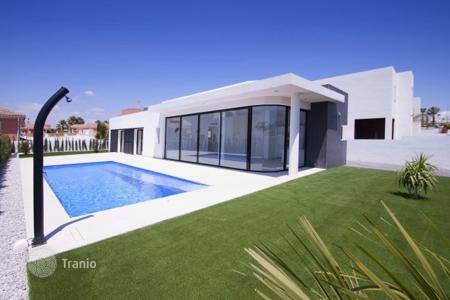 Property for sale in La Marina. Villa – La Marina, Valencia, Spain