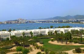 Luxury apartments with pools for sale in Balearic Islands. Penthouse Apartment with Pool on Talamanca Bay