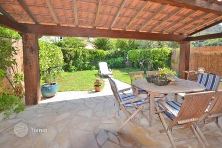 Cheap 3 bedroom houses for sale in France. Villa – Villeneuve-Loubet, Côte d'Azur (French Riviera), France
