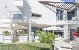 Luxury townhouse of contemporary design in the most prestigious area of Marbella — Sierra Blanca for 1,995,000 €