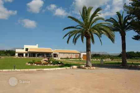 5 bedroom villas and houses to rent in Majorca (Mallorca). Detached house – Majorca (Mallorca), Balearic Islands, Spain