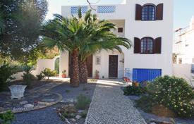 3 bedroom houses for sale in Faro. Charming 4 Bed Villa with Pool and Roof Top Sea Views, Moncarapacho