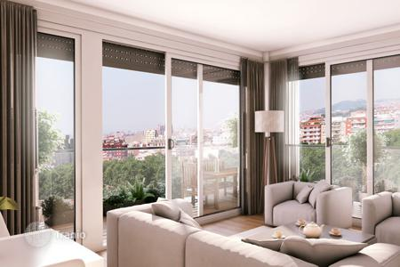 Cheap 2 bedroom apartments for sale in Barcelona. Two-bedroom apartment with a terrace in a new residential complex with a pool, near the beach, Badalona, Barcelona, Spain