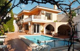 4 bedroom houses by the sea for sale in Andalusia. Bright villa with a private plot, a swimming pool and a sauna, 750 meters from the beach, Malaga, Spain