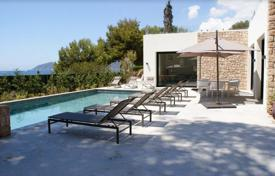 Property to rent in Santa Eulalia del Río. Two villas with terraces, 500 meters from the beach, Ibiza, Spain