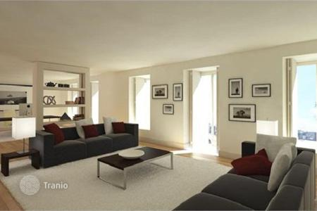 Luxury 6 bedroom apartments for sale in Portugal. 5-bedroom flat in a historical house in Lisbon