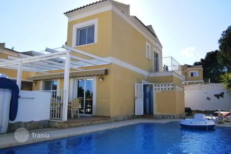 Houses with pools for sale in La Nucia. Villa – La Nucia, Valencia, Spain