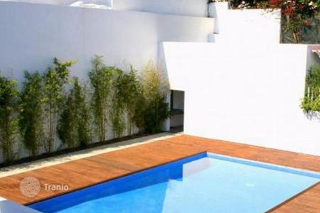 3 bedroom apartments for sale in Cascais. Duplex apartment with terrace in the center of Cascais, Portugal