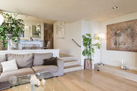 Residential for sale in Castell Platja d'Aro. Comfortable apartment on the sea front in Playa de Aro, Spain