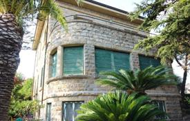 Luxury houses for sale in Province of Imperia. Villa – Sanremo, Liguria, Italy