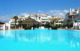 Apartments with pools for sale in San Pedro Alcántara. Two-bedroom apartment near the beach in San Pedro Alcantara, Andalusia, Spain