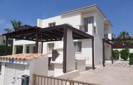 5 bedroom houses by the sea for sale in Peyia. 5 Bed Detached Villa with Amazing Roof Terrace Peyia