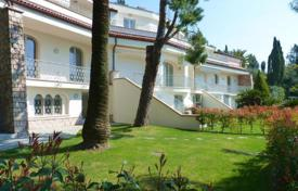 5 bedroom apartments by the sea for sale in Liguria. Apartment – Alassio, Liguria, Italy