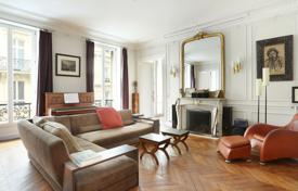 Luxury property for sale in 9th arrondissement of Paris. Paris 9th District – A family apartment in excellent condition