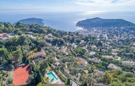 Luxury property for sale in Villefranche-sur-Mer. Villefranche-sur-Mer — Magnificent property