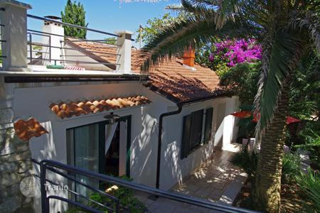 Houses for sale in Primorje-Gorski Kotar County. Beautiful villa in the centre of Mali Lošinj