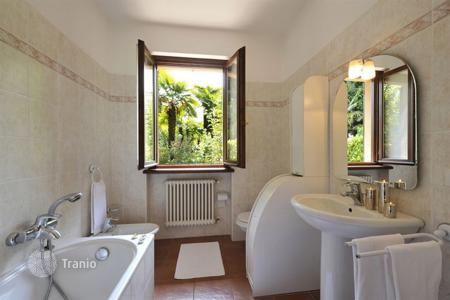 Coastal property for rent in Lombardy. Villa – Lenno, Lombardy, Italy