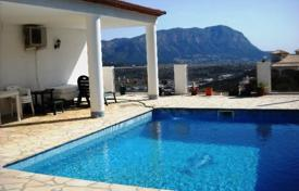 Cheap houses with pools for sale in Alicante. Villa – Javea (Xabia), Valencia, Spain