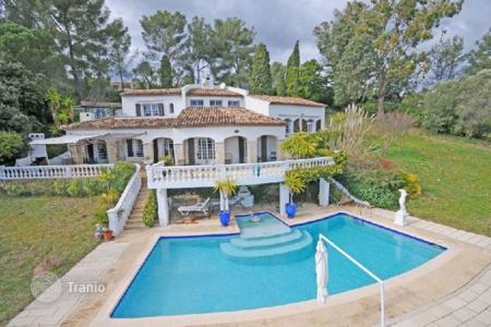 Residential for sale in Roquefort-les-Pins. Villa - Roquefort-les-Pins, Côte d'Azur (French Riviera), France
