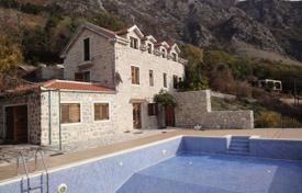 Houses with pools for sale in Kotor. Old stone house in Risan, great sea views! Recently renovated with swimming pool, great outside area