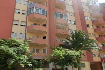 Foreclosed 4 bedroom apartments for sale in Costa Brava. Apartment – Figueres, Catalonia, Spain