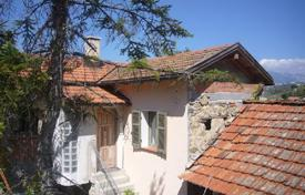 Houses for sale in Vallebona. Villa 3+ bedrooms in Vallebona 200 m²