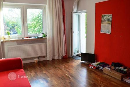 Property for sale in Hessen. Two-bedroom apartment with balcony in excellent condition, in the center of Frankfurt, Ostend district