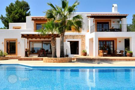 3 bedroom villas and houses to rent in Europe. Villa with terrace and views of sea, beaches Salinas and Cala Jondal for rent, on a hill, next to the Old Town, Ibiza, Spain