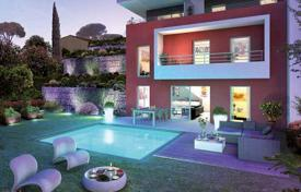 5 bedroom apartments for sale in Provence - Alpes - Cote d'Azur. 4-bedroom apartment in Nice