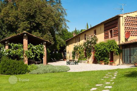 Villas and houses to rent in Capannori. Villa – Capannori, Tuscany, Italy