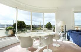 3 bedroom apartments for sale in Ile-de-France. Paris 16th District – A penthouse facing the Bois de Boulogne
