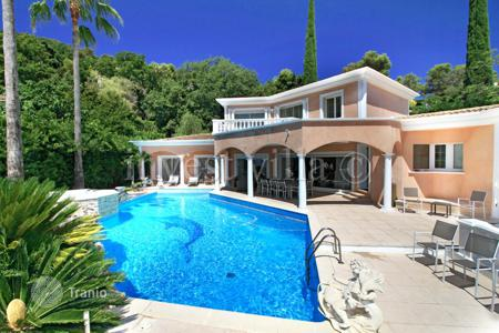 Property to rent in Antibes. Villa - Antibes, Côte d'Azur (French Riviera), France