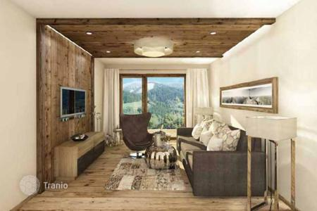 Apartments for sale in Tyrol. Apartment in a luxury residential complex in the Alps, 500 m from the ski lift, St. Anton am Arlberg, Tyrol. It 's possible to take a loan