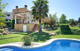 Coastal houses for sale in Costa Dorada. Villa – Tarragona, Catalonia, Spain