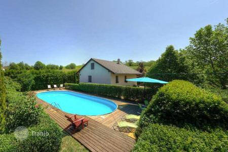 Houses with pools for sale in Hungary. Villa – Keszthely, Zala, Hungary