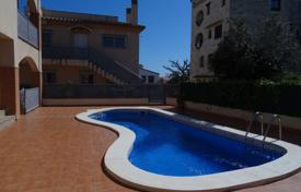 New apartment with a terrace in a residential complex with a pool and a parking, Mont-Roig del Camp, Spain for 135,000 €