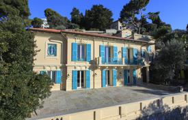 Houses with pools for sale in Saint-Jean-Cap-Ferrat. Villa with an elevator, a guest house, a swimming pool, terraces and a direct access to the sea, Saint-Jean-Cap-Ferrat, France